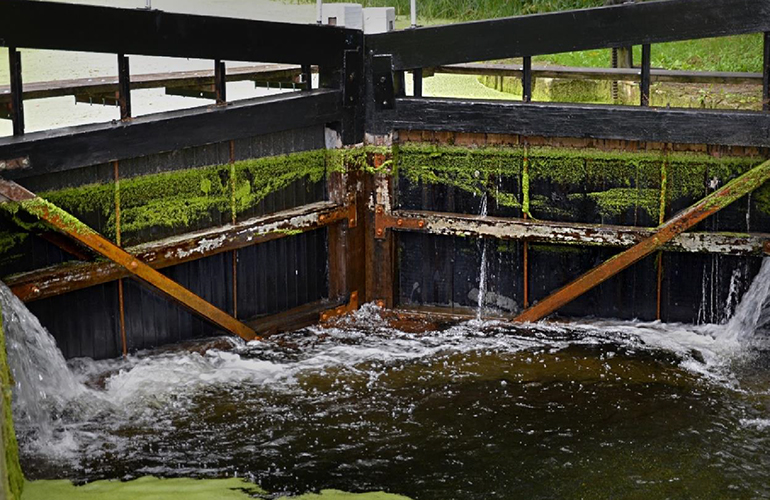 Plaswood Outperforming Timber On Historical Cotswolds Canal